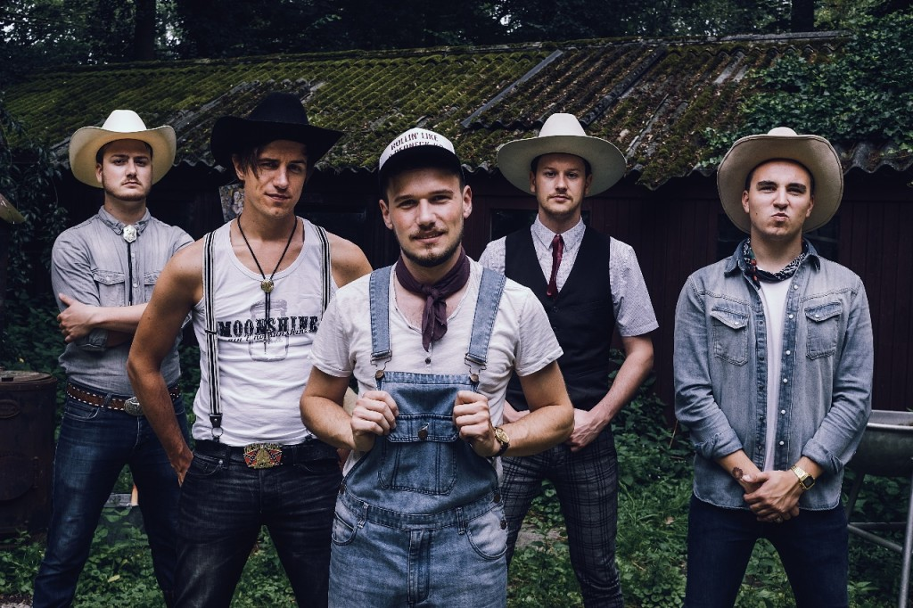 The-Hillbilly-Moonshiners